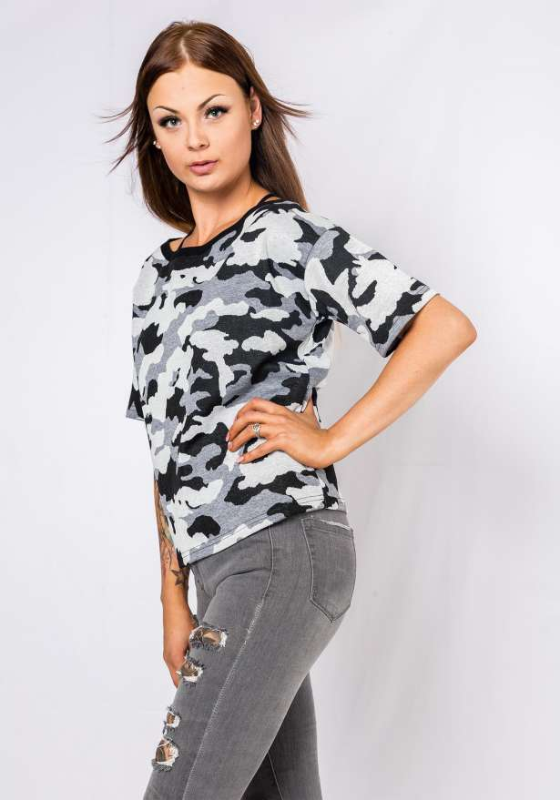 Short Sleeve Camo Sweater In Grey