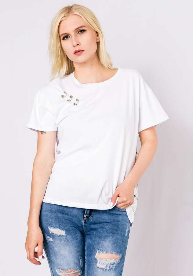 T-Shirt With Piercing Detail In White