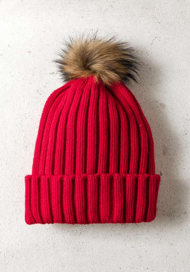 Rib-Knit Hat With Fur Pom In Red