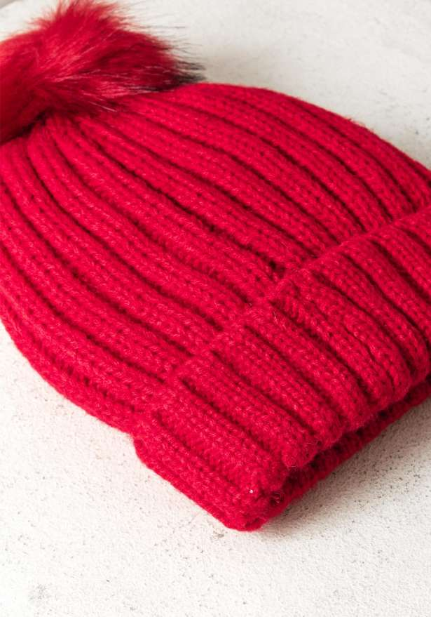 Rib-Knit Hat With Pom In Red