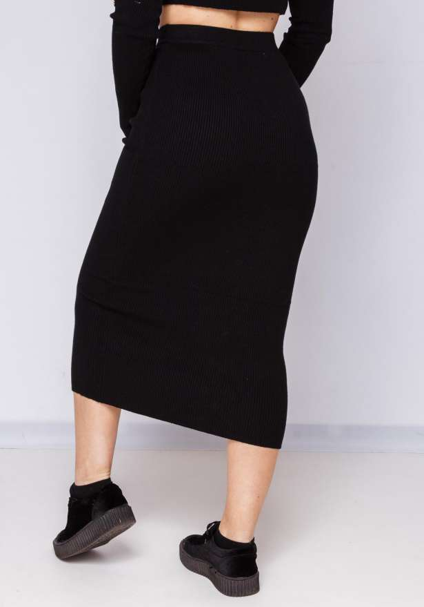Bodycon Skirt Super Fit With Goldbutton In Black