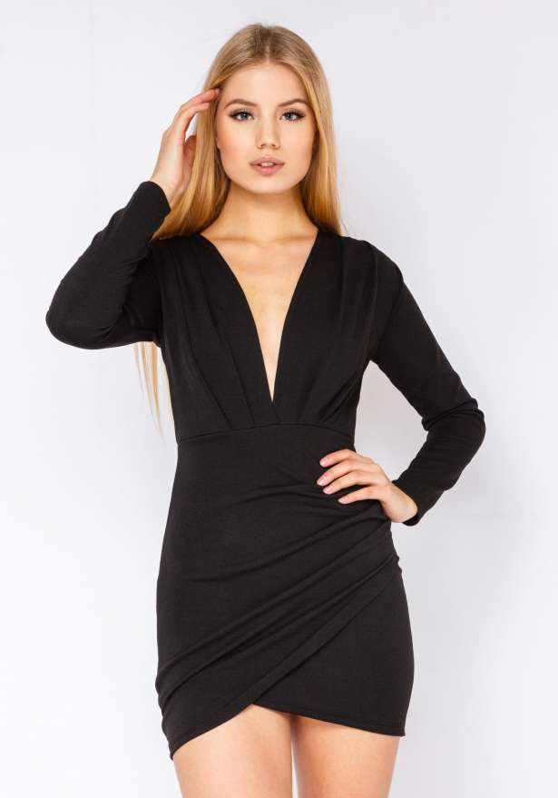 Chic Dress With Sleeves In Black