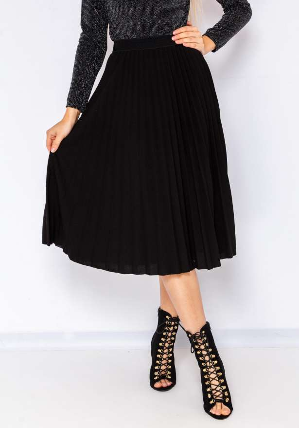 Chic Pleated Skirt In Black