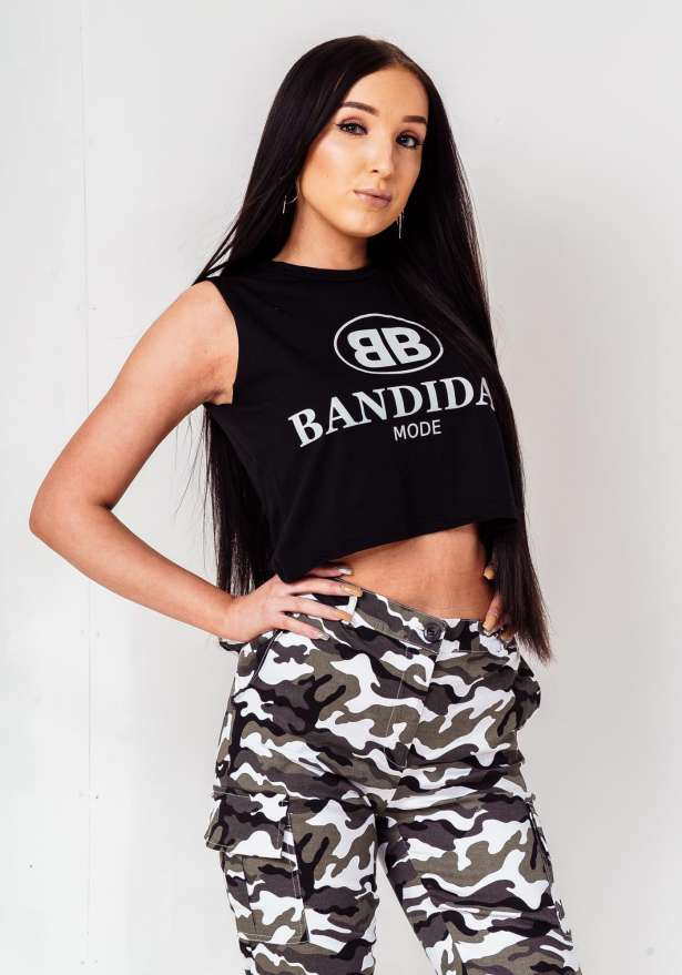 Bandidas Mode Crop Biker Tank Top In Black