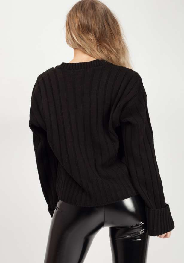 Turn Up Sleeve V-Neck Knitted Jumper In Black
