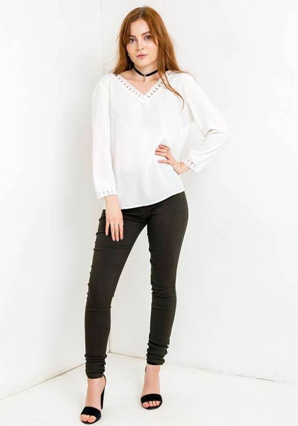 Long Sleeve Lace Pattern Blouse In White