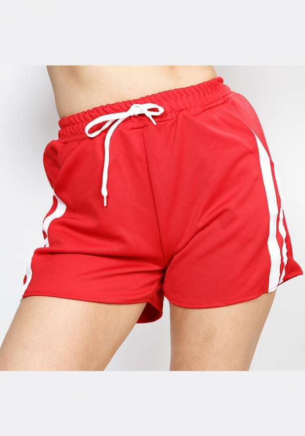 Leisure Shorts In Red