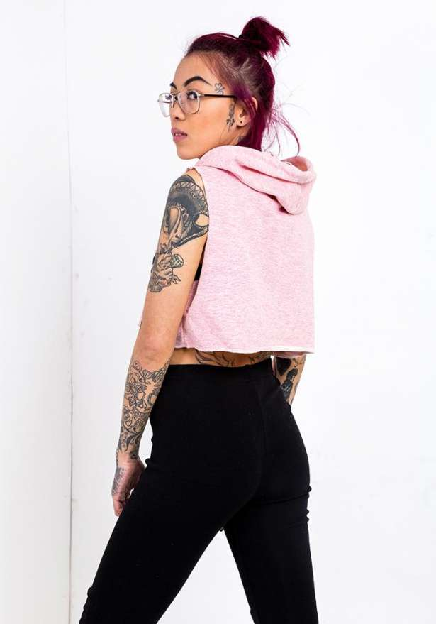 New York Cropped Sleeveless Hoodie In Pink
