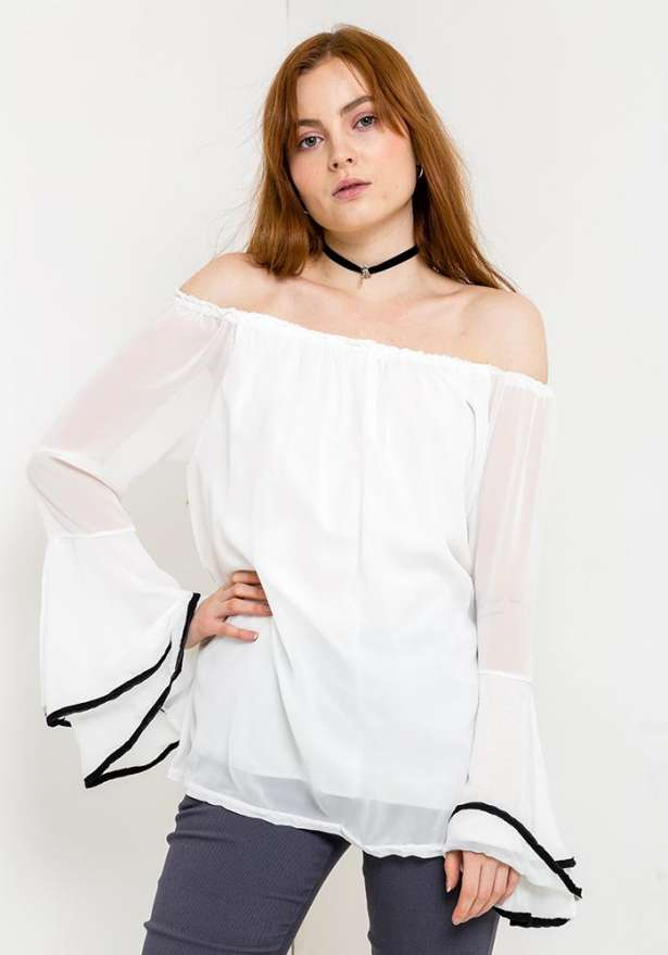 Off Shoulder Bell Sleeve Blouse In White