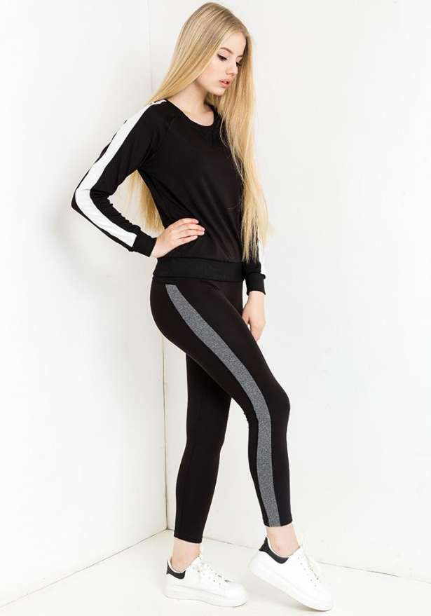 Sporty Tracksuit Set In Black