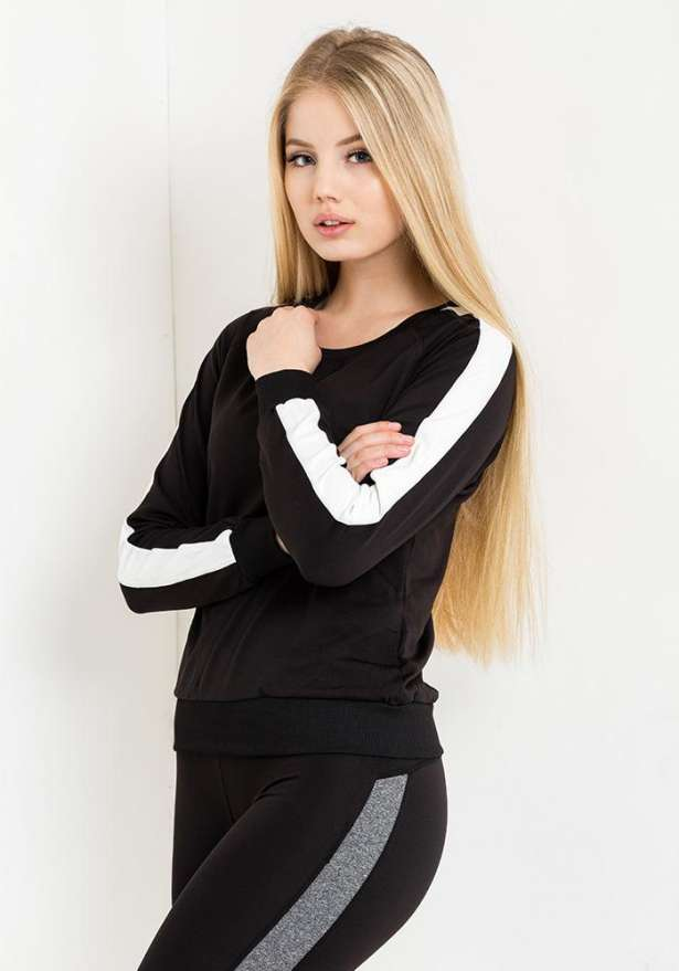 Sporty Sweatshirt In Black